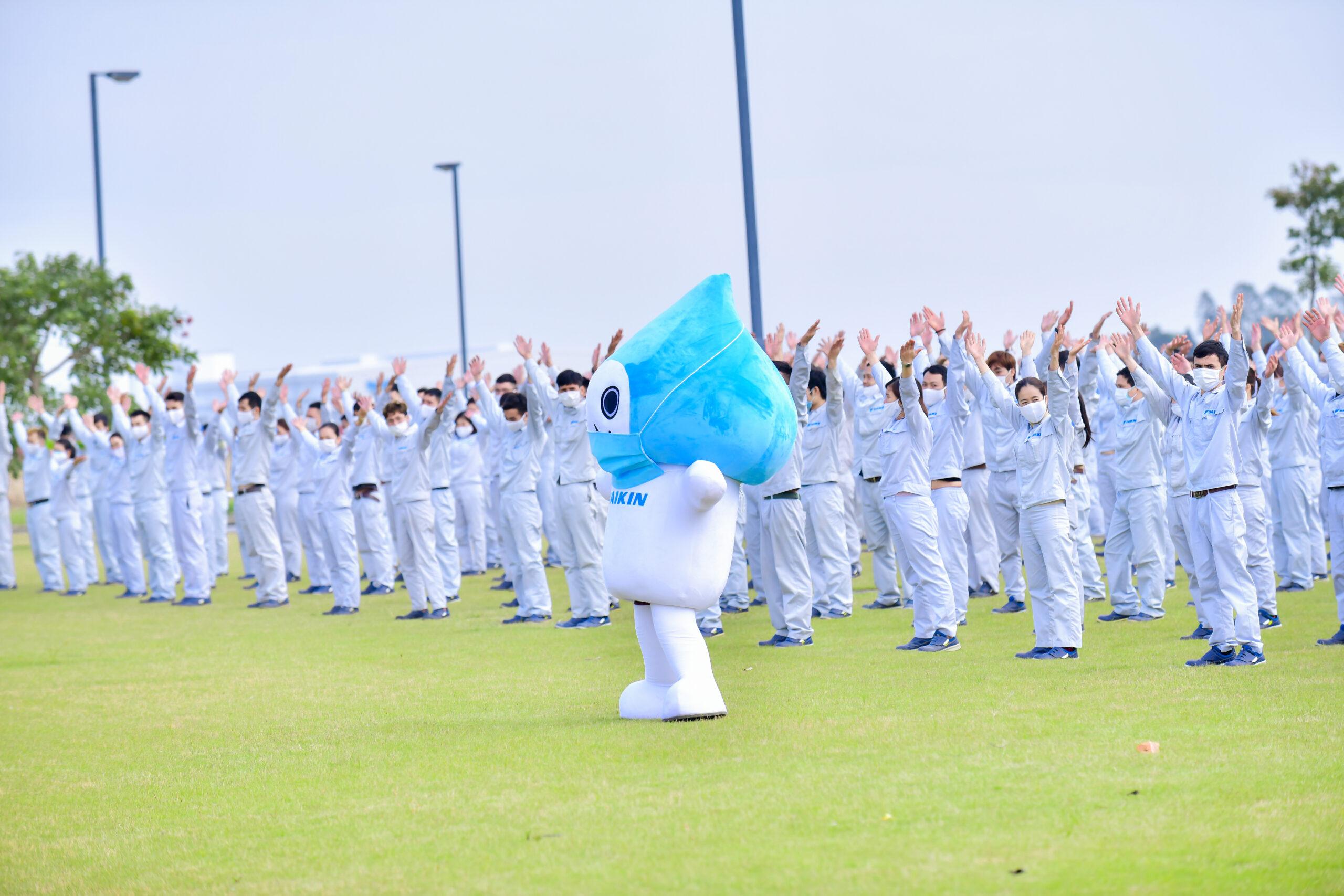 1.000 cán bộ, nhân viên công ty Daikin tham gia nhảy vũ điệu rửa tay tuyên tuyền phòng chống dịch bệnh Covid