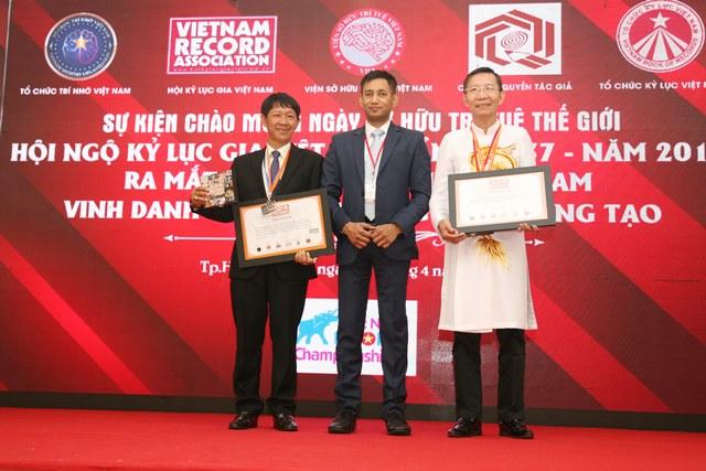 Tổ chức Kỷ lục Châu Á trao bằng xác lập Kỷ lục đến kỷ lục gia Đào Xuân Tình