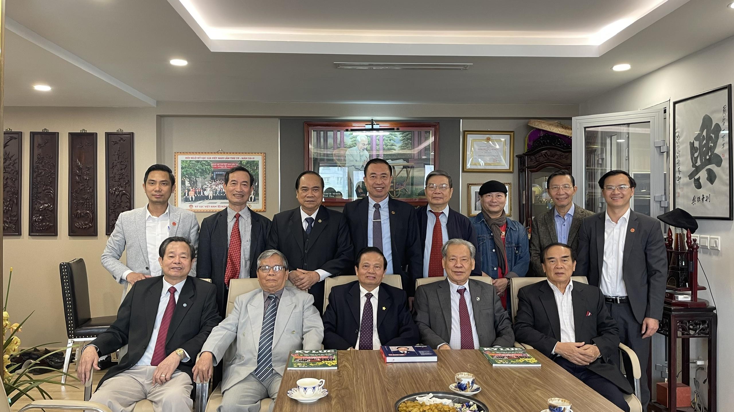 Các thành viên trong BLĐ TW Hội Kỷ lục Gia Việt Nam, Tổ chức Kỷ lục Việt Nam