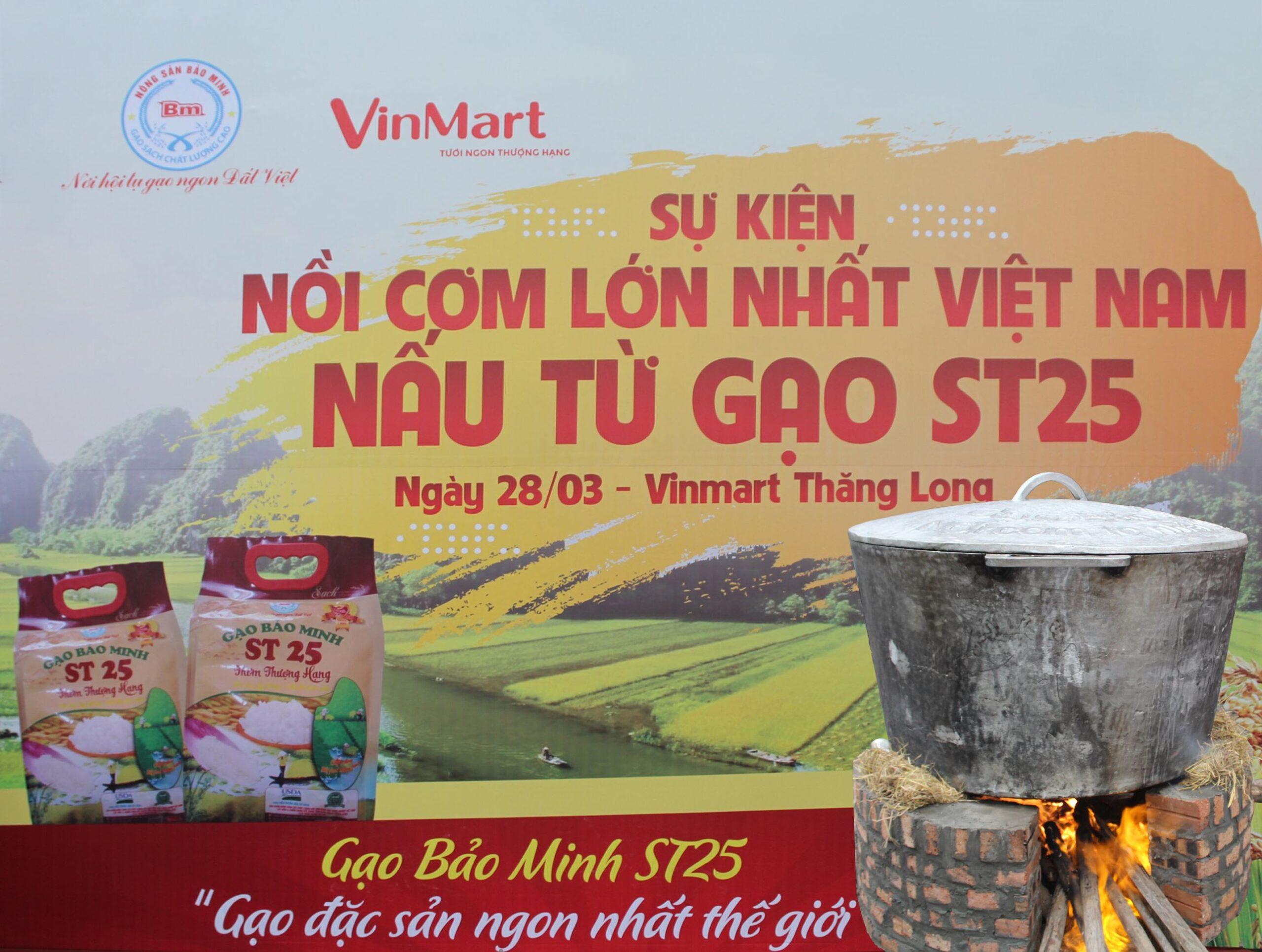 Nồi cơm khổng lồ được nấu từ gạo ST25