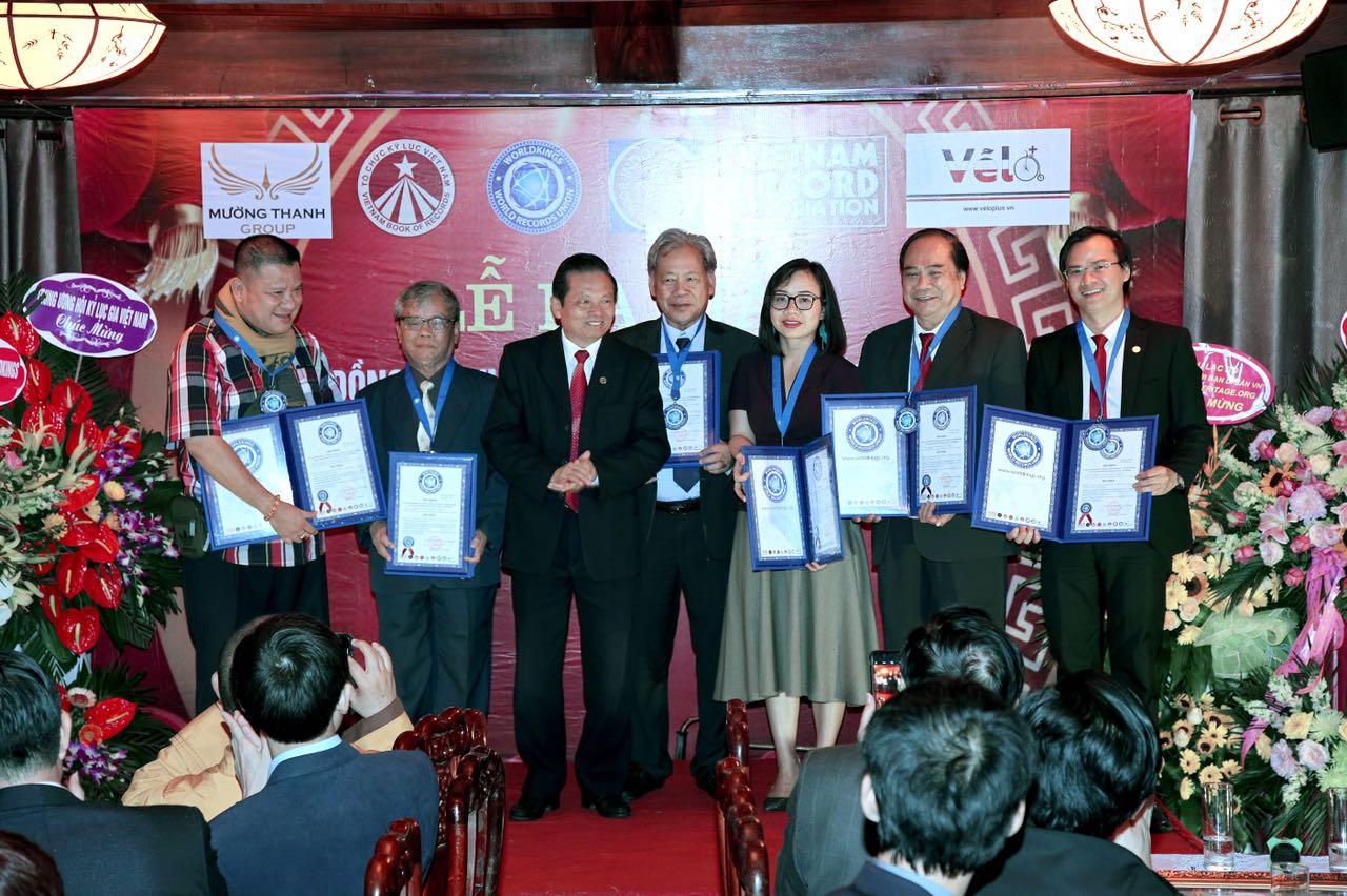 Ông Hoàng Thái Tuấn Anh nhận quyết định làm Tổng thư ký Tổ chức Kỷ lục Đông Dương.
