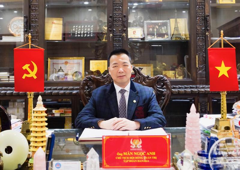 Doanh nhân Mẫn Ngọc Anh, Chủ tịch Tập đoàn Hanaka, Chủ tịch Hội doanh nhân trẻ tỉnh Bắc Ninh.