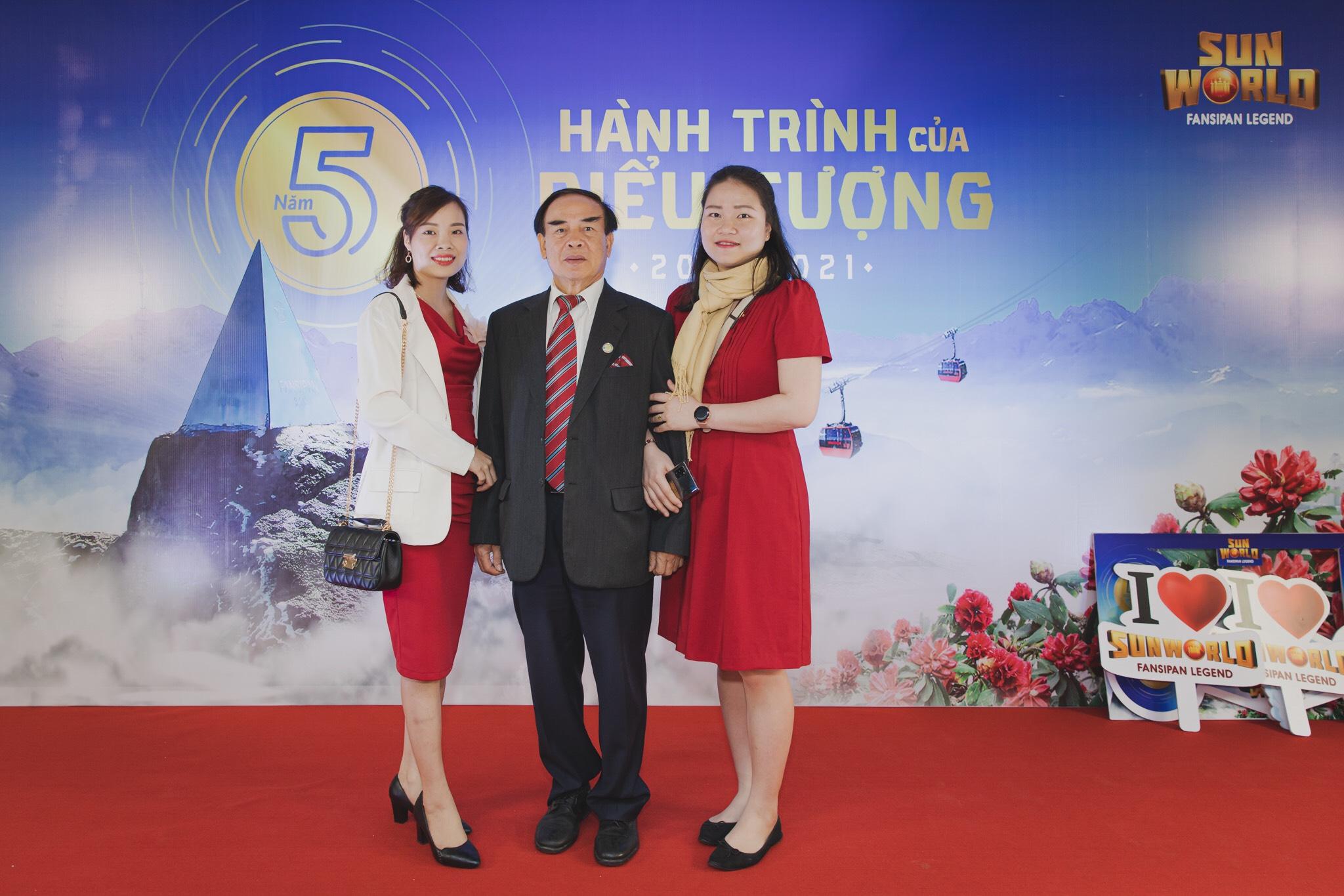 Đại diện Tổ chức Kỷ lục Việt Nam tham dự chương trình.