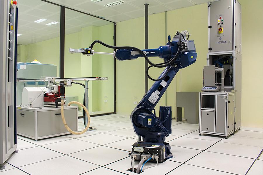 Hệ thống robot lấy mẫu, phân tích mẫu tự động.
