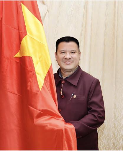 ÔngLê Trần Trường An - Tổng giám đốc của Tổ chức Kỷ lục Việt Nam - VietKings